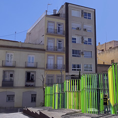 2017.04.17 (maximorgana) Tags: cartagena fence metacrilato green yellow lime fluorescent juanjo batman fororomano