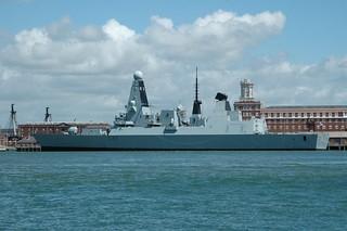 HMS Daring - D32