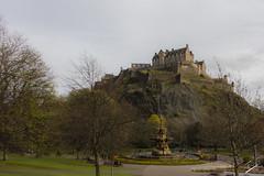 Castle Hill vista desde Princes Gardens, Edimburgo, Escocia (jcfasero) Tags: castle castillo jardin garden princess street stphotographia outdoor color edimburgh edimburgo escocia scotland sony rx100