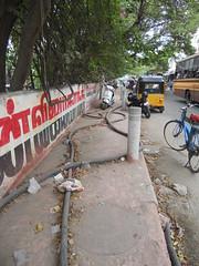 DSCN4186 (Santhosh ITDP) Tags: 2015 india chennai thiruvanmiyur kalki krishnamoorthi salai bad after obstruction footpath improper cable