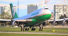 B-16411 (kentmatthiesen) Tags: eva air boeing 74745e b16411 cyvr