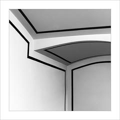 Eixe tímid racó VIII / That shy corner VIII (ximo rosell) Tags: ximorosell bn blackandwhite blancoynegro bw buildings arquitectura architecture abstract abstracció squares algemesi nikon d750 detall minimal llum luz light c
