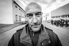 "#132 ""Wilfried, what the hell are you doing on this planet?"" (Hendrik Lohmann) Tags: street streetphotography streetportrait portrait people project series whatthehell hendriklohmann nikondf wideangle blackandwhite"