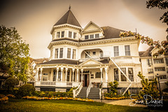 Victorian Home (Sean Daniel) Tags: victoria victorian yyj architecture old manor house hotel bed breakfast balcony ocean town history haunted ghost james bay