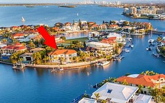 11-13 Queen Guineveres Place, Sovereign Islands QLD