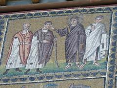 Mosaics in Basilica of Sant'Apollinare Nuovo in Ravenna (pov_steve) Tags: basilicaofsantapollinarenuovo church earlychristianbyzantineart earlychristianbyzantinearchitecture nescoworldheritage 526547 byzantinemosaics ravenna emiliaromagna italy mosaics
