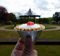 £1.85 Cherry Bakewell (Richie Wisbey) Tags: woodbridge thoroughfare cake shop cherry bakewell overpriced dry powder overated new ownership fondant cakeboss icing pastry tin metal foil franzipan bandstand