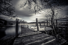 Stångån (jarnasen) Tags: fujifilmxt1 xt1 fujinon fuji xf1024mmf4 wideangle tripod longexposure le leefilters leesuperstopper nd15 ndfilter extreme daylight mono monochrome bnw noiretblanc noir blanc svartvit sky clouds movingclouds movement jetty pier boat dinghy water lake river creek lakeside trees nordiclandscape landscape landskap lakescape calm mood atmosphere geo geotag copyright järnåsen jarnasen nature östergötland outdoor scandinavia sweden sverige gallery