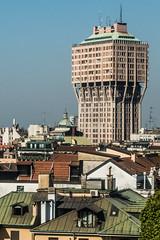 20170422 Milan, Italy 06054 2 (R H Kamen) Tags: 19501959 brutalistarchitecture italy lombardy residentialbuilding architecture buildingexterioe builtstructure milan modernarchitectureandart officebuildingexterior rhkamen skyline skyscraper