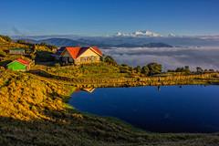 Tonglu Trekkers Hut (Susom Majumder) Tags: tonglu canon 550d 18135 kangchenjunga sandakphutrek trekkershut himalaya saarc northbengal india travelscape blue red hut mountain travel