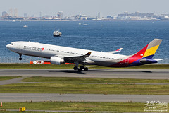 Asiana Airlines [OZ][AAR] / HL7754 / A330-323 / RJTT (starger64) Tags: canoneos1dmrakiv ef7020028isiil eftc14xiii rjtt hnd hanedaairport 羽田機場 東京国際空港 aviation airplane aircraft arlines asianaairlines 韓亞航空 a330 airbus a333 hl7754 a330323 a330300