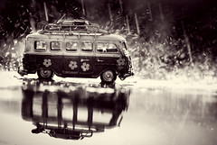 rain drops and reflections (auntneecey) Tags: 365the2017edition 3652017 day117365 27apr17 vwbus van monochrome mono hmbt