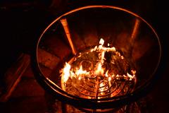 Brennender Tisch (Photoschiesser) Tags: tisch feuer lagerfeuer bushcraft tischfeuer