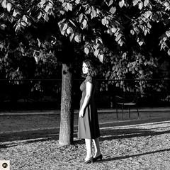 16JHM (photo & life) Tags: paris france europe leica leicam leicamtype240 summicronm1250 summicron women lady modèle mode ville city jeanne humanistphotography street streetphotography photography photolife™ jfl 50mm portrait noiretblanc blackandwhite squareformat squarephotography