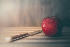 Red apple (RoCafe Off for a while) Tags: apple knife lensbaby stilllife sweet50 blur red fruit kitchen food vegan healthy nikond600 textured