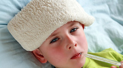 10 cách chữa cảm cúm hiệu quả nhanh nhất không dùng thuốc (laile5) Tags: bed bedspread boy check child childhood cold compress cure disease diseased dopey duty fever flu hand health healthcare hold ill illness infect infected infection influenza inside kid laying lie patient people person portrait preschooler room sick sickbed sickness sneeze sniffing sniffles suffering teddy temperature thermometer tired unhappy unwell use white
