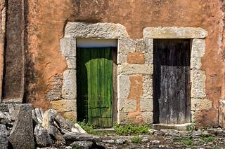 Les deux portes