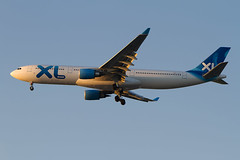 F-HXLF, Airbus A330-203, XL Airways (freekblokzijl) Tags: pariscdg xlairways airbusa330 night landing approach 08r canon arrival planespotting bluehour earlymorning cdg f2870200