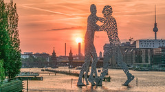 Berlin sunset (ralfkai41) Tags: oberbaumbrücke architektur wahrzeichen spree sonne sonnenuntergang televisiontower city cityscape berlin fernsehturm symbol face water sun eveningglow architectur abendrot skulptur bridge sculpture brücke sunset wasser