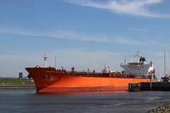 cpo newzealand (Thai Kwan Do) Tags: varen noordzee locks haven noordzeekanaal water amsterdam canal ship boot harbor ijmuiden sluizen views nederland view dutch holland netherlands tanker bulker bulkers vessel cargo boat vehicle outdoor ferry eos sigma waterfront tugboat tug reefer 35mm manualfocus pallasmagenta canon1018 bay river landscape watercourse road northsea sea