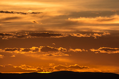 Sunset (thomas.hartmann496) Tags: colors yellow red orange gold sky clouds color bright sun sunny far zoom telephoto photo landscape hills hill sandia albuquerque new mexico