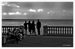 El embrujo del Báltico (Imati) Tags: rusia marbáltico turistas espectadores siluetas verano