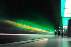 Speeding light (Bilderwense) Tags: hamburg hansestadt hafencity hafen port welovehh ilovehh architektur architecture germany europe europa deutschland ubahn underground subway nikon nikkor nikond5000 green grün subwaystation undergroundstation longexposure lzb langzeitbelichtung lephotography train zug lighttrails light lichter beleuchtung motionblurr blurr blurry peopleinmotion hanks