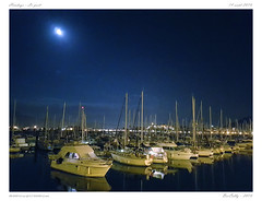Hendaye - Le port (BerColly) Tags: france paysbasque hendaye ville town port night nuit smartphone samsungs7 bercolly google flickr bateaux boats voiles sails lune moon sky ciel harbour
