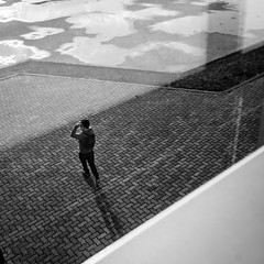 Wait and see (franleru1) Tags: 1x1 abstract abstrait aix aixenprovence bw backlight effets france hiver light ombre photoderue saison streetphotography blackandwhite conceptual contrejour monochrome noiretblanc shadow