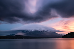 Dramatic Sunset at Lake Yamanaka (Yuga Kurita) Tags: mount mt fuji fujisan fujiyama lenticular cloud clouds sunset lake yamanakaa yamanaka yamanakako fujigoko japan landscape nature phenomenon