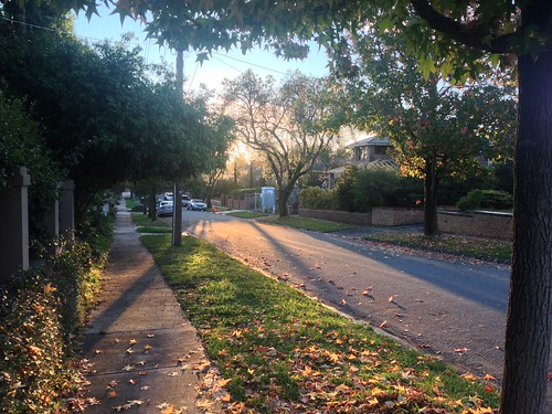 North Balwyn street sunset