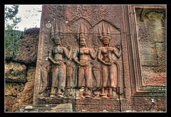 Siem Reap K - Angkor wat gate house relief