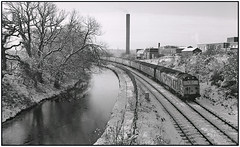 50018 in snow (geoff7918) Tags: universityofbirmingham 50018 laundry 0605plymouth liverpool worcestercanal