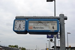 2017_Berlin_5878 (emzepe) Tags: 2017 május tavasz germany alemagne deutschland németország saksa berlin vasút railway eisenbahn állomás vasútállomás bahnhof gara gare station nádraží stanica