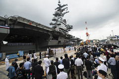 Japan 2015 -   USS Ronald Reagan Arrives in Japan to Support Security, Stability in the Indo-Asia-Pacific Region (manhhai) Tags: sailors warfighters warfighting fast flexible worldwide deployed onwatch preservepeace deteraggression defendfreedom heritage operateforward beready tradition freedom protect commerce sealanes liberty navy usnavy america unitedstates military warfightingfirst nmcs navymediacontentservice chinfo ussronaldreagancvn76 yokosukajapan