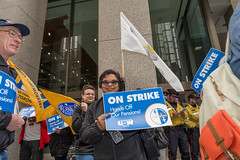20170428_USW_Solidarity_Demonstration_Toronto_303.jpg (United Steelworkers - Metallos) Tags: manifestation demonstration usw d5 metallos union district5 syndicat glencore cezinc demo stockexchange toronto canlab