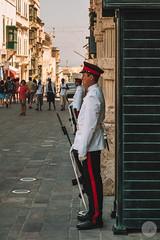 Guardia (jdelrivero) Tags: paises fotografia lavaleta urban malta streetphotography countries valletta fotografiacallejera