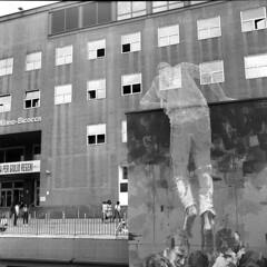 Milano (Valt3r Rav3ra - DEVOted!) Tags: rolleiflex ilforddelta400 ilford analogico analogica film medioformato 120 6x6 bw biancoenero blackandwhite bicocca università university milano streetphotography street valt3r valterravera visioniurbane urbanvisions streetart