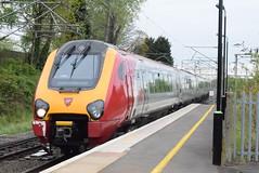 221118 @ Stechford (ianjpoole) Tags: virgin trains 221118 221106 willem barents working 1b11 shrewsbury birmingham new street london euston