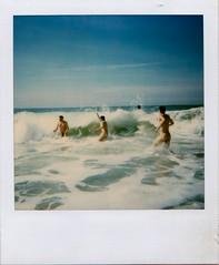 Lacanau Océan (Emile Horizon) Tags: polaroid 600 wave march swell