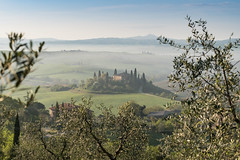 A9905765_s (AndiP66) Tags: villabelvedere villa belvedere sanquiricodorcia sanquirico dorcia siena pienza valledorcia valle toscana tuscany italien italy sony alpha sonyalpha 99markii 99ii 99m2 a99ii ilca99m2 slta99ii tamron tamronspaf70200mmf28dildif tamron70200mm 70200mm f28 amount andreaspeters