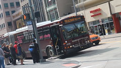 PAT Bus 3115 Wheelchair Lift Ready! (Etienne Luu) Tags: port authority allegheny county paac patransit pa transit public transportation bus pittsburgh pennsylvania artic articulated 60 foot footer bendy