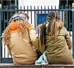 Hair (Hindrik S) Tags: hair dreadlocks girls sitting resting fence famkes froulju vrouwen dames candid back rêch brug rücke strjitfotografy street straat strjitte streetphotography straatfotografie 2017 sonyphotographing sony sonyalpha a57 α57 slta57 tamron tamronaf16300mmf3563dillvcpzdmacrob016 16300 cold leeuwarden ljouwert liwwadden hofplein streetphoto amount strasenfotografie strase