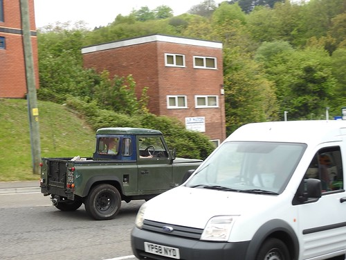 Land Rover, Rockhill Road, Pontypool 6 May 2017