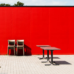 too cold outside (fhenkemeyer) Tags: shadow minimal stühle tische tables chairs red rot