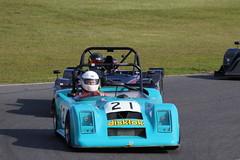 529A2993 (iChasney) Tags: phil hutchins pulsar philhutchin rgb 750 750motorclub 750mc bikeengine motorsport snetterton