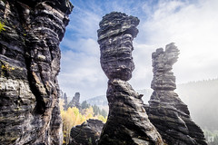 Herkulessäulen - Bielatal - Elbsandsteingebirge (lotl.axo) Tags: bielatal deutschland felsen fuji gebirge gegenlicht hdr landschaft natur reisefotografie sachsen sächsischeschweiz walimexpro12mm120csc xt1
