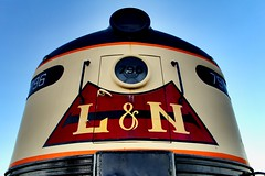 Nosey (Laurence's Pictures) Tags: bowling green historic railroad park louisville nashville e8a emd passenger locomotive museum engine transportation streamliner stream line tourist activities golden hour