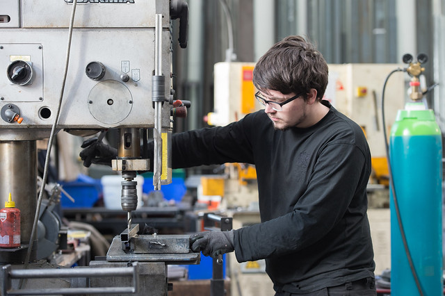 Cruze Foggo, Scenic Metalwork Apprentice © ROH/Sim Canetty-Clarke, 2015