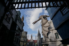 """Universal Studios, Florida: Diagon Alley Escape from Gringotts • <a style=""""font-size:0.8em;"""" href=""""http://www.flickr.com/photos/28558260@N04/34579379752/"""" target=""""_blank"""">View on Flickr</a>"""